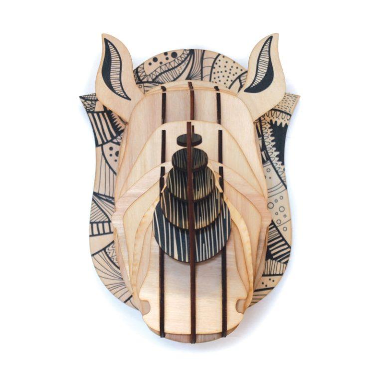 Tête de rhinocéros en bois
