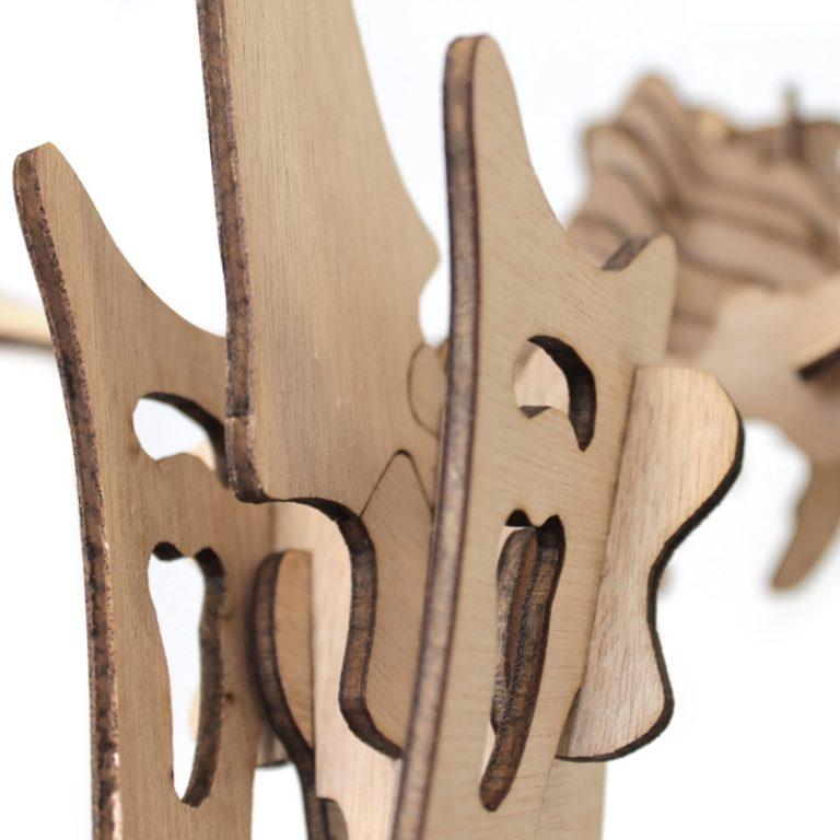 Ptérodactyle en bois