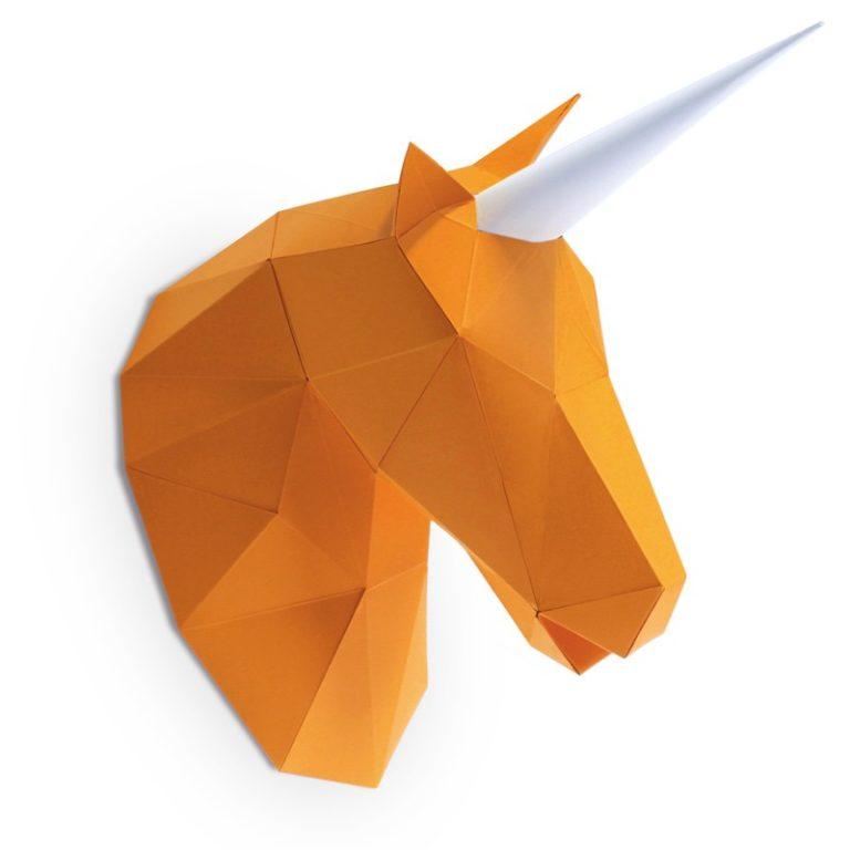 PETIT LICORNE EN PAPIER 3D