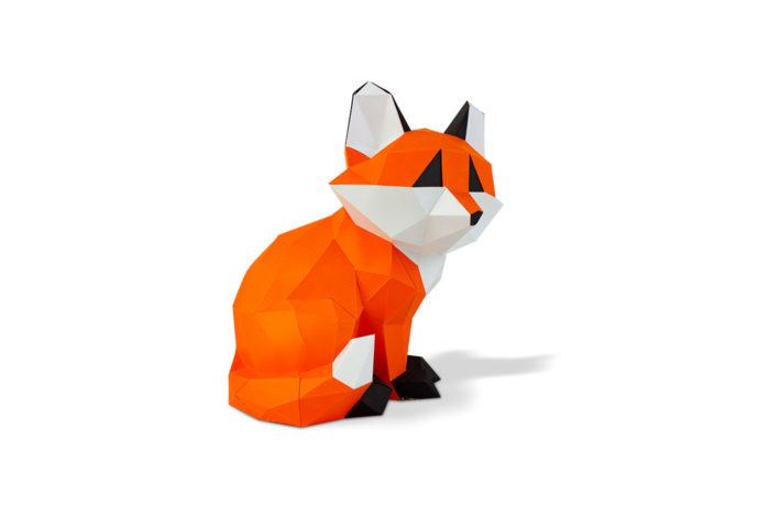 Petit renard assis en papier 3D