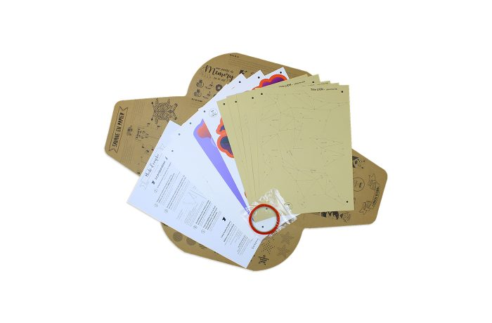 Lion en papier fond de carte 6 3701310203682