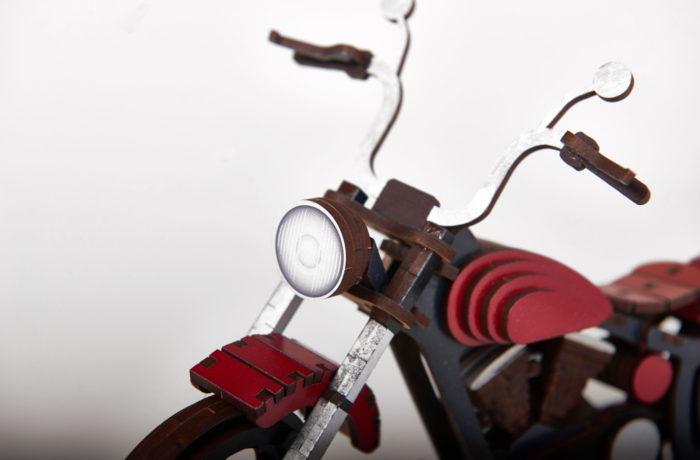 Motocyclette en bois 3