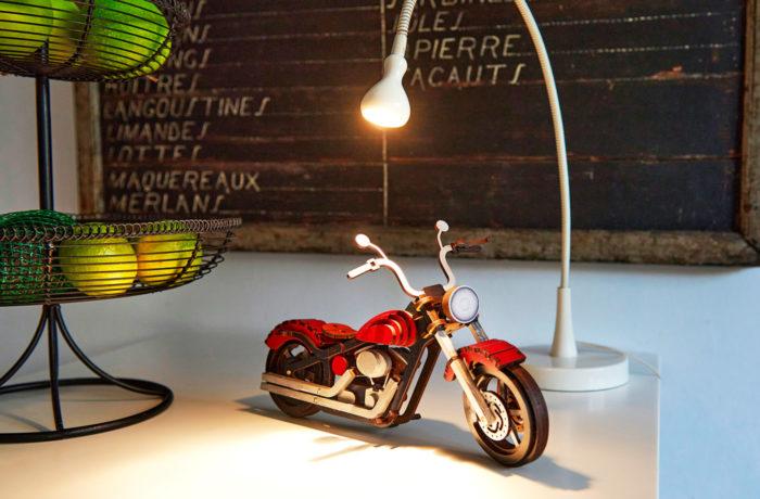 Motocyclette en bois 2