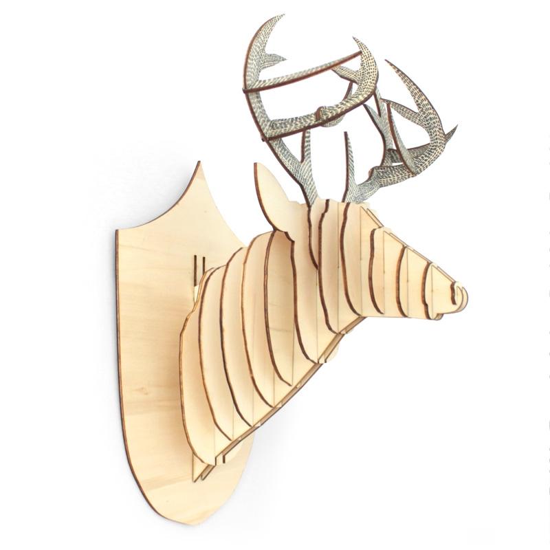 Tête de cerf en bois