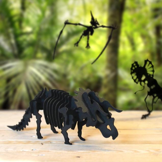 Cardboard triceratops 2